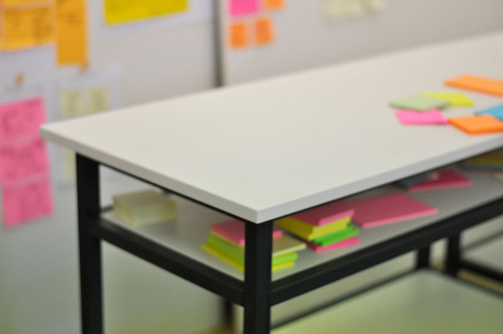12xDesks | Design Thinking Stehtisch; Foto: Felix Schneider, Frisk Innovation GmbH
